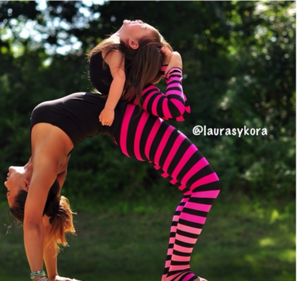 urdvha dhanurasana, backbend, partner yoga