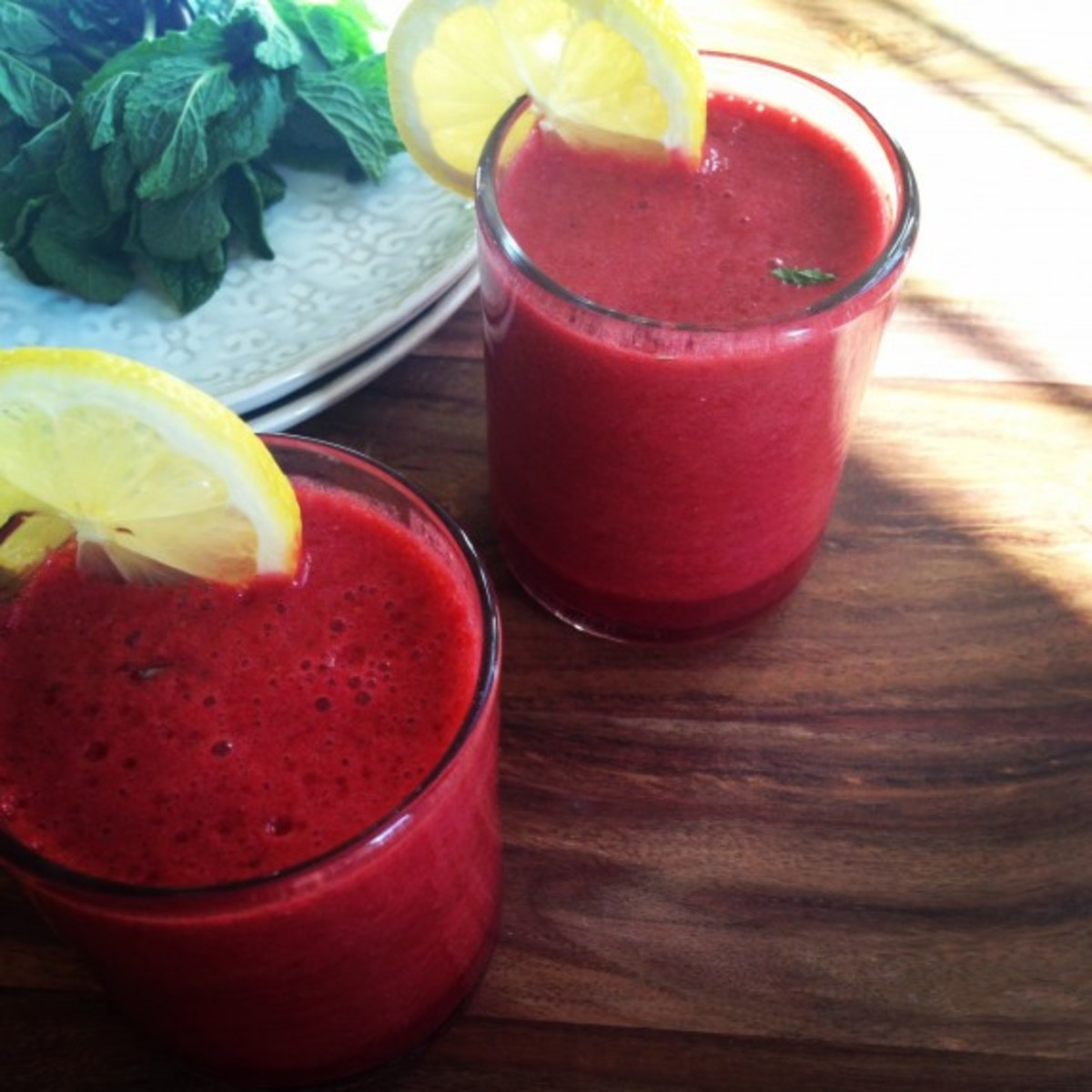 http://www.wellandgoodnyc.com/2014/04/01/recipe-raspberry-lemonade-spring-cleanse-smoothie/?utm_source=OrganicAuthority&utm_medium=Social&utm_campaign=wgOA4