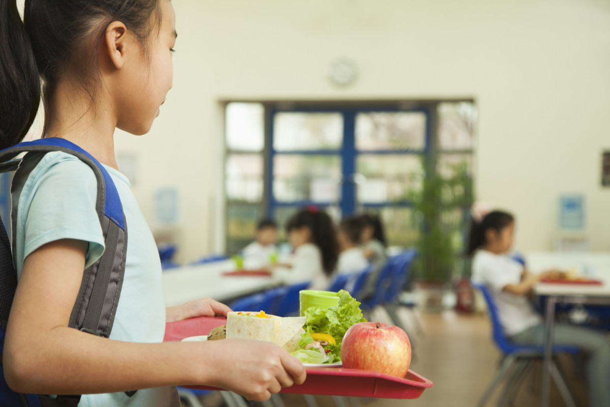 Los Angeles School District Poised toReplace McDonald's and Processed Meat with Vegan Food