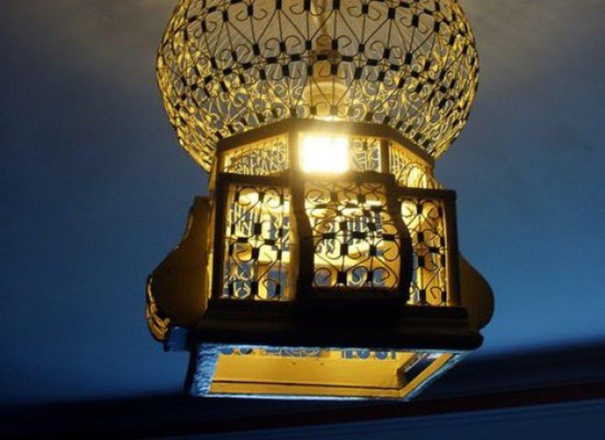 birdcage-lamp-ccflcr-bunchofpants