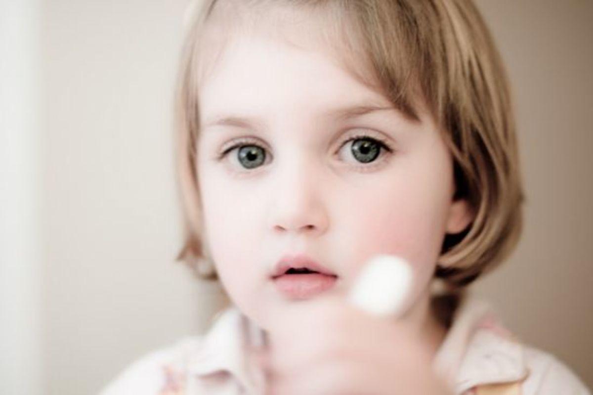 kid-eating-ccflcr-huwowenthomas