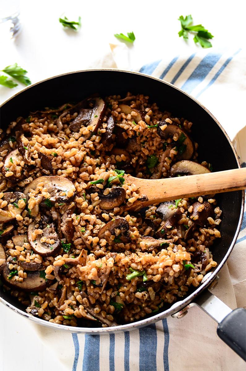 Garlicky Mushroom Farro Recipe