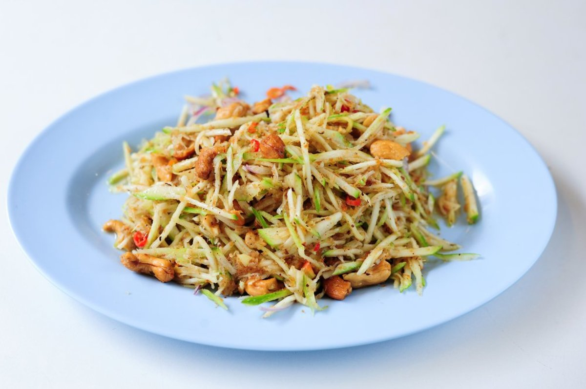 4 Yummy Raw Cabbage Recipes for Meatless Monday (No Kale Allowed!)
