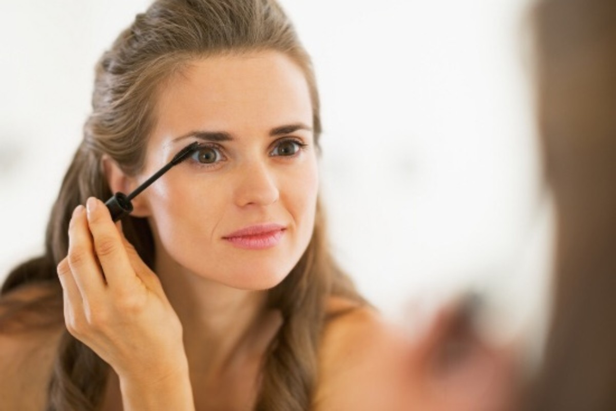 Do Fancy Shmancy Mascara Wands Really Make a Difference?