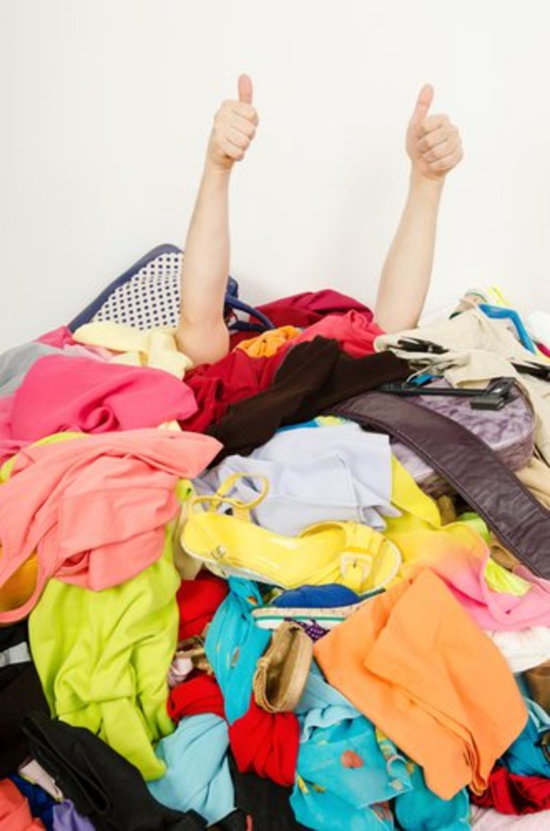 3 Easy Ways to Declutter Your Home (and Stop Freaking Everyone Out With Your Hoarding)