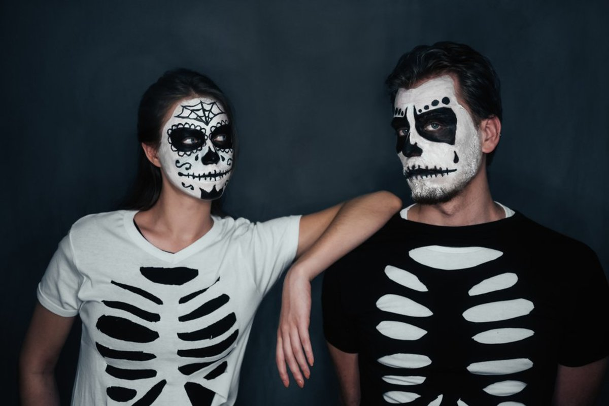 Clever ideas for DIY couples Halloween costumes.
