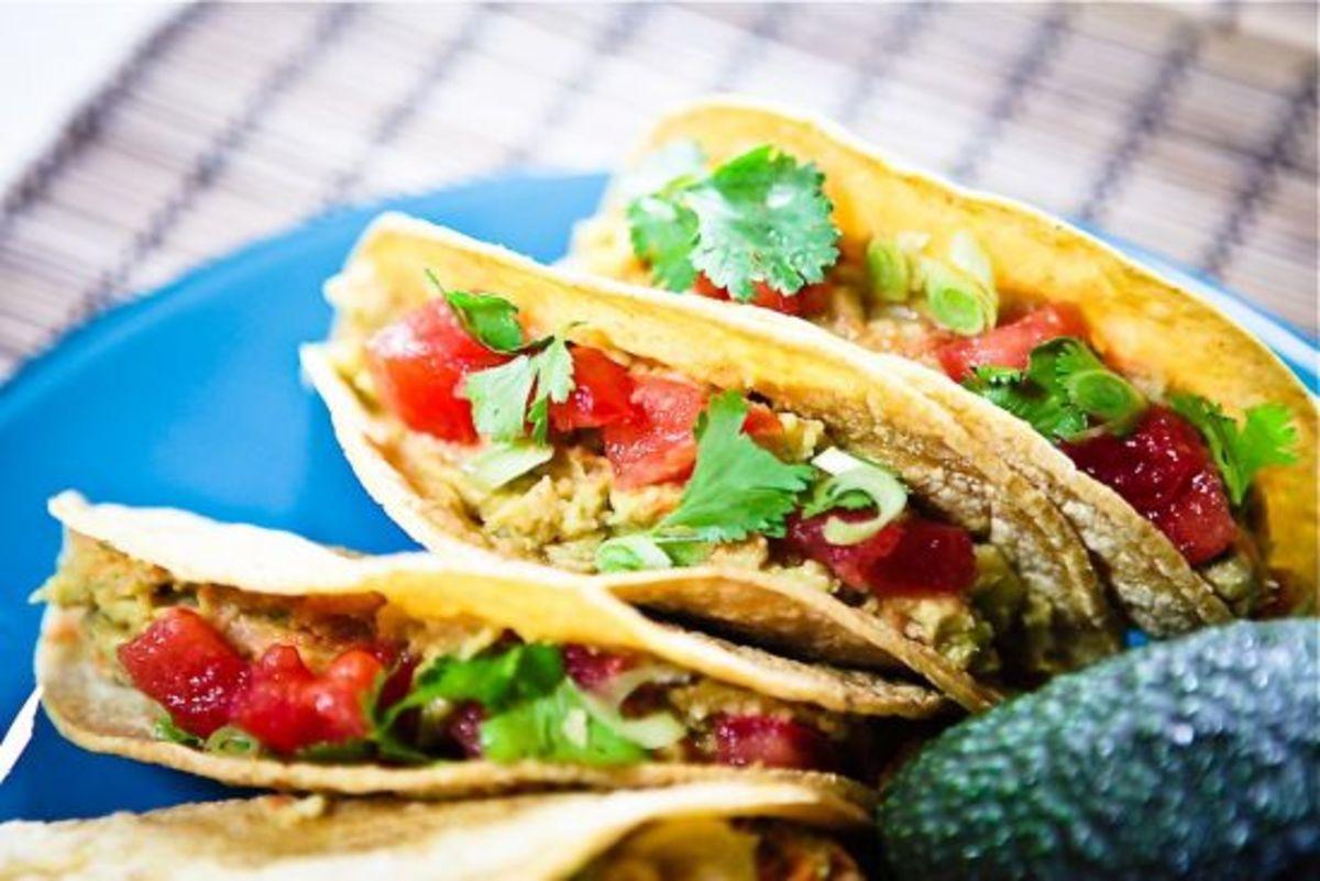 salad-in-tacos