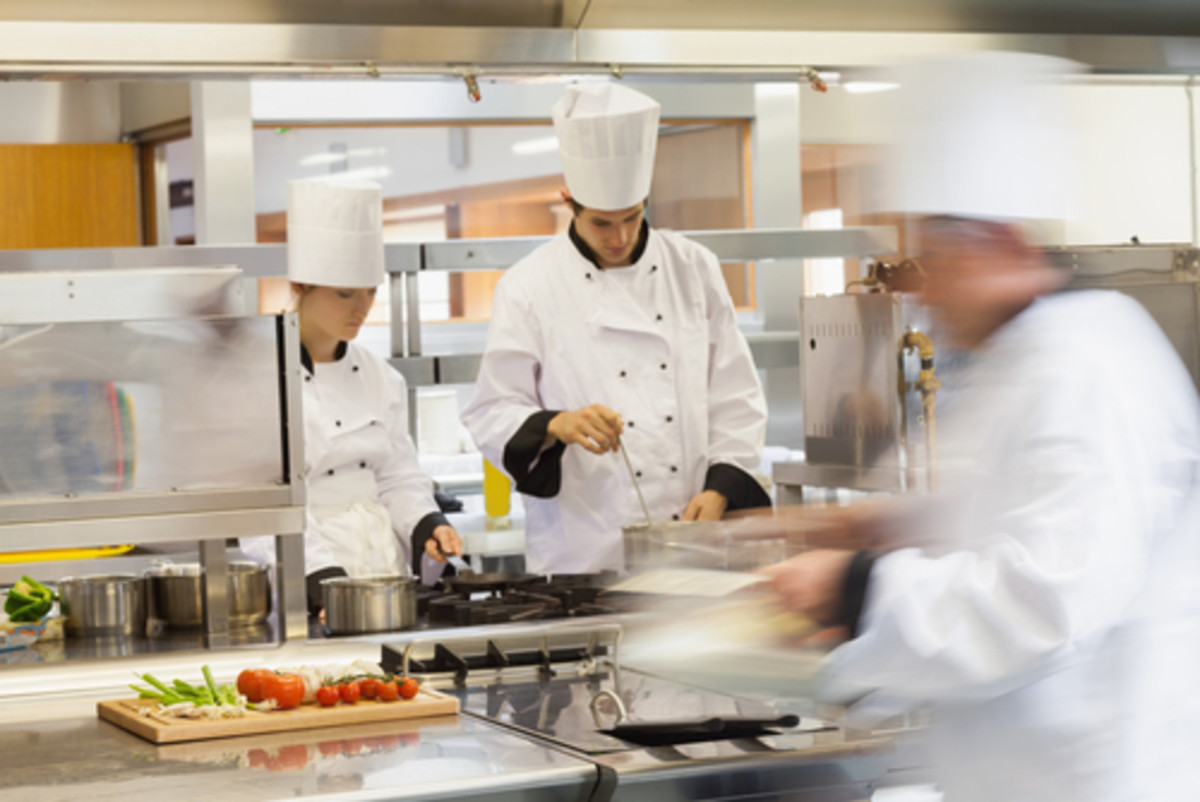 Restaurants must be proactive to handle a salmonella outbreak