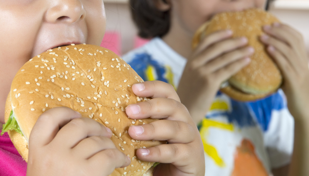 UK Doctors Say Fast Food Buffer Zones Around Schools Will Decrease Childhood Obesity Rates