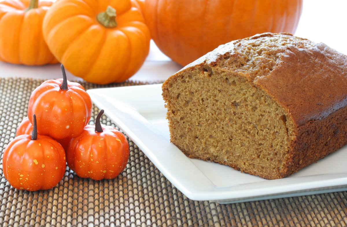 Paleo Pumpkin Bread Recipe: Get Your Pumpkin Spice Fix Without the ...