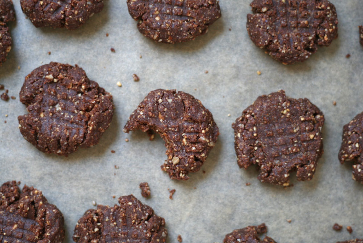 Make This Healthy Girl Sweet: No Bake Cacao Cookies