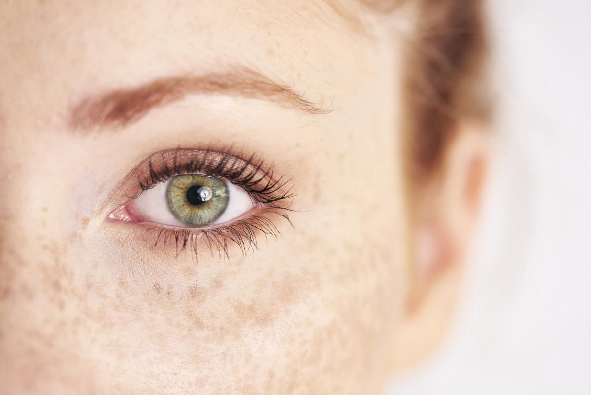 Do Natural Eyelash Growth Serums Actually Work?