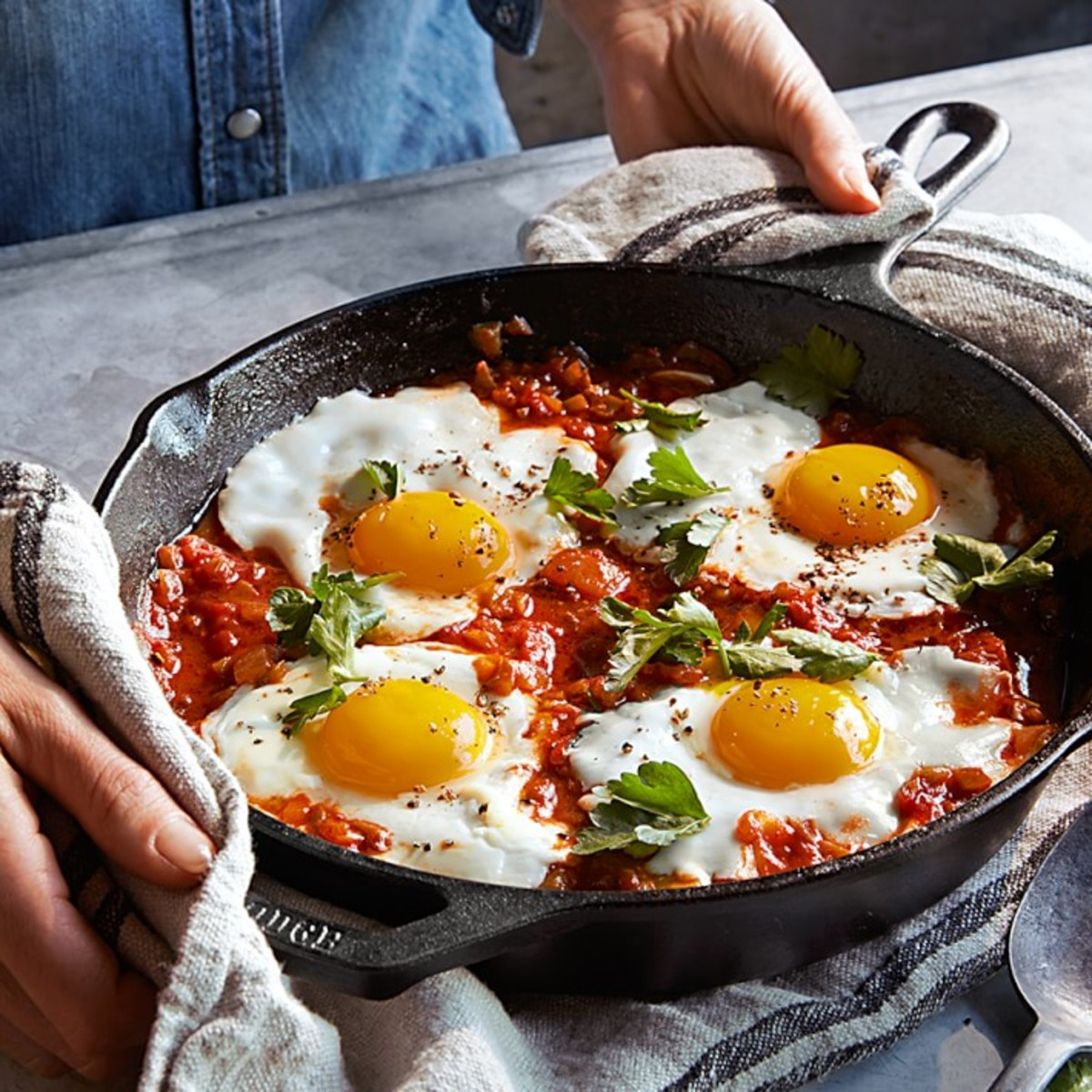 lodge-cast-iron-round-fry-pan-o