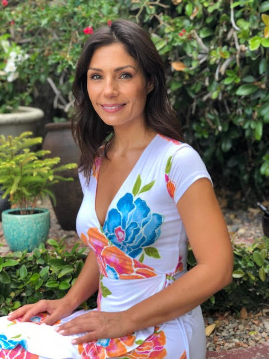 Jona Genova Meditation Teacher Healer Buddhist