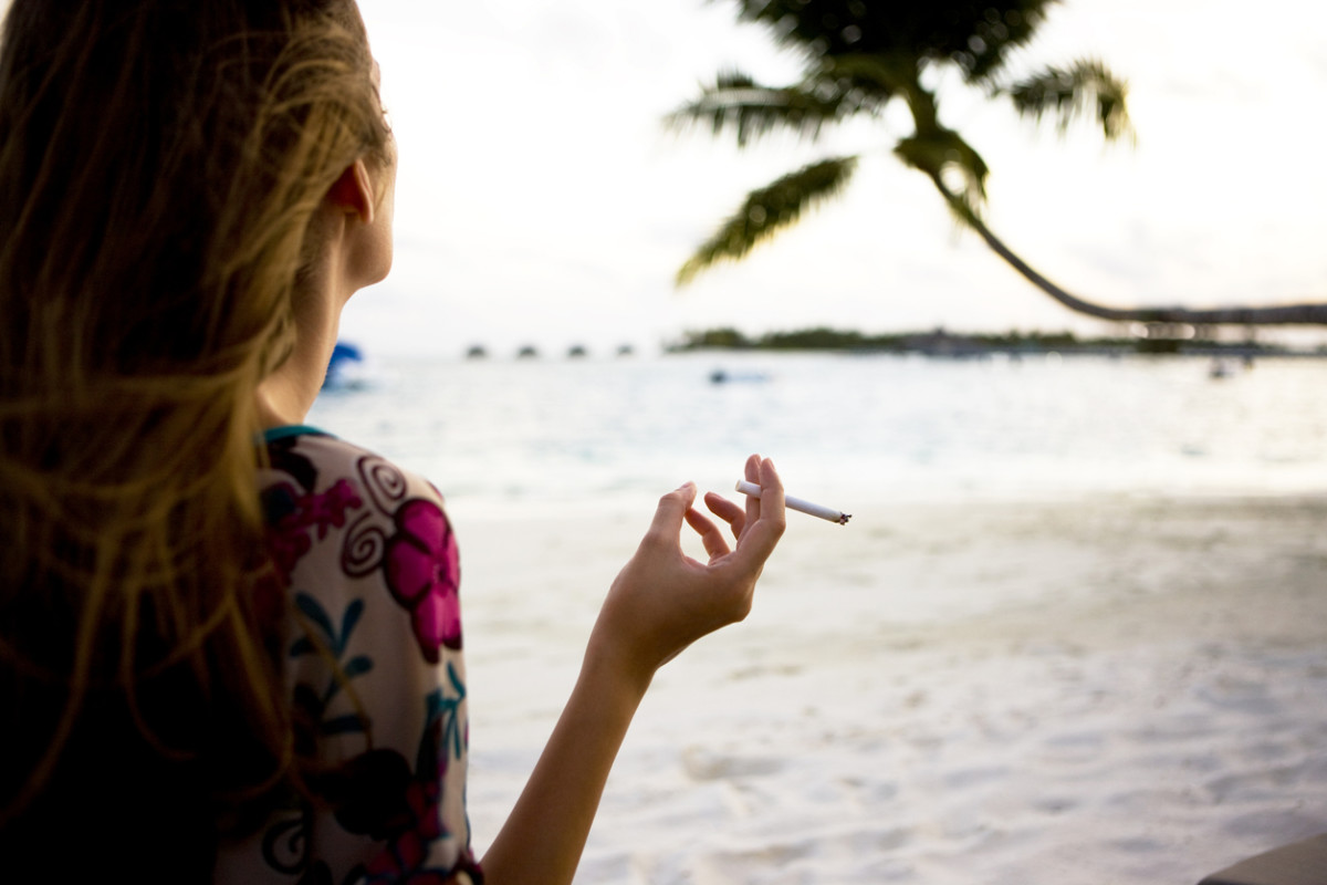 Hawaii Moves to Ban Cigarette Sales to Anyone Under 100-Years-Old