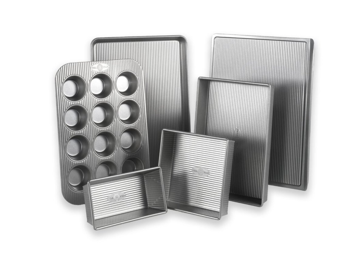 This set sports a corrugated surface which helps with air circulation for even baking and quick release. It's also coated with a silicone nonstick surface that is PTFE, PFOA and BPA free.