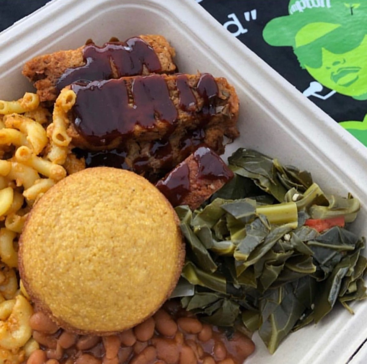 Jackfruit ribs, cornbread, collards, macaroni, and beans